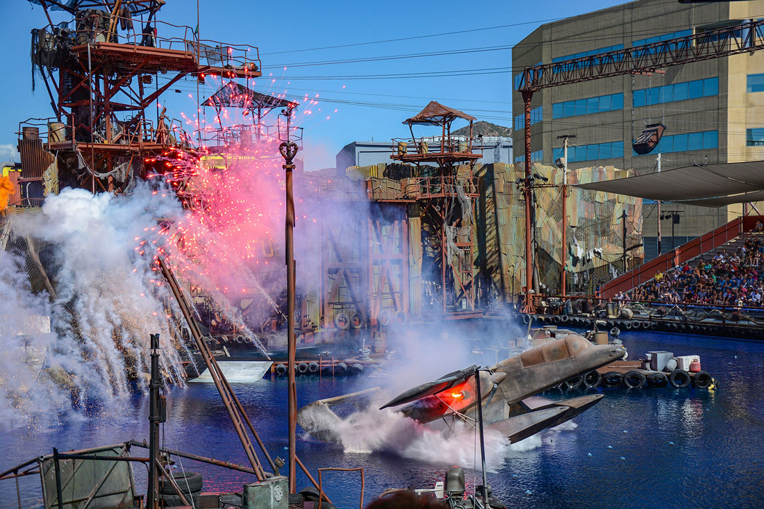 Water world performance at Universal Park Los Angeles