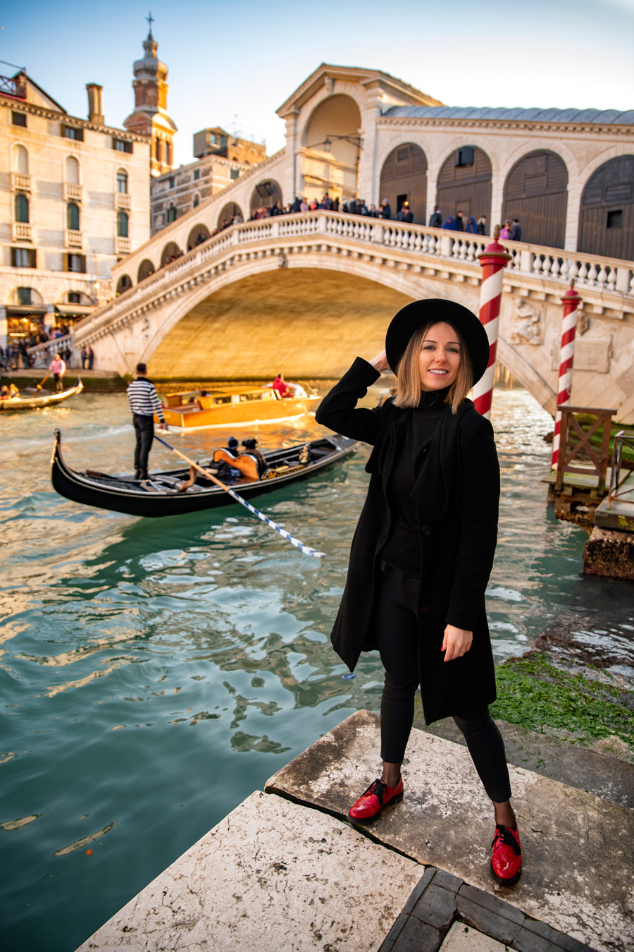 Photo in front of Rialto Bridge in Venice
